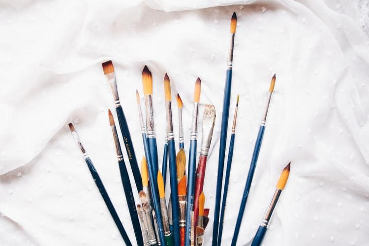 gouache paint brushes, painting with gouache, gouache tips