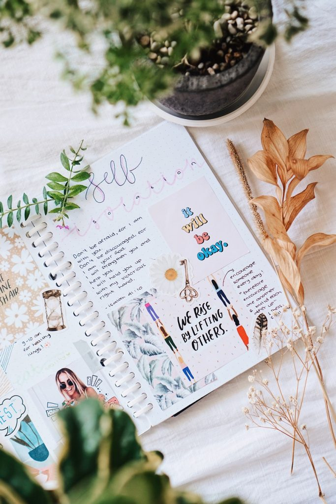 Art journaling writing tips